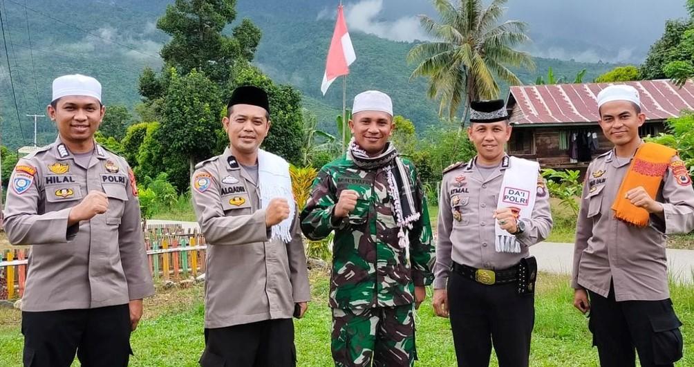 Empat anggota kepolisian yang merupakan Dai Polri ditugaskan berdakwah di Poso, Sulawesi Tengah. Foto: Dok. Istimewa